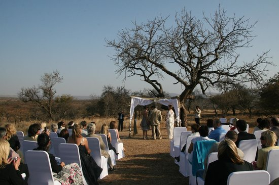 Hannah Game Lodge: We wouldn't have wanted to get married anywhere else. You?