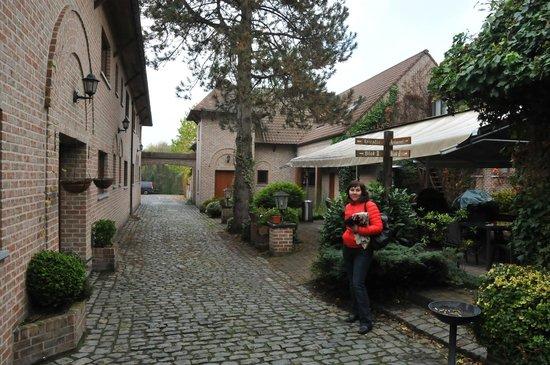 Bovendael Sports & Business Hotel: Внутренний дворик. Все очень зелено и уютно.