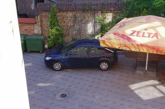 Hotel Liene : Вид во двор
