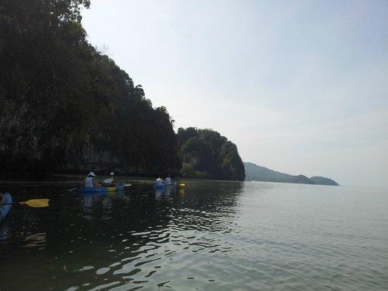 Phranang Full Moon Kayaking: дорога к лесу