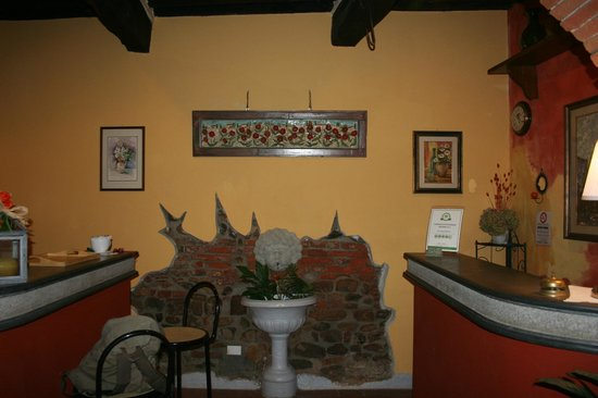 Antica Casa dei Rassicurati: hall bb