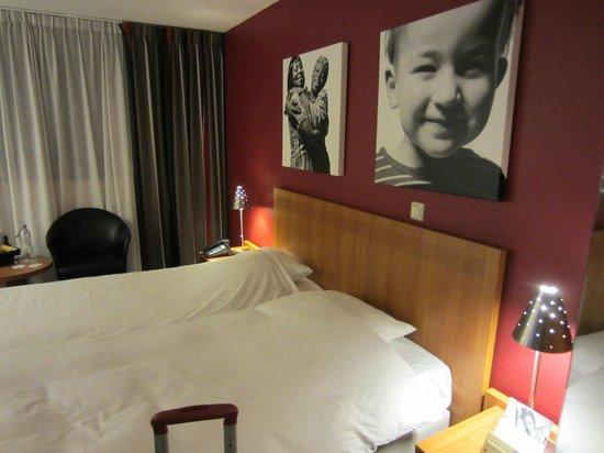 Inntel Hotels Amsterdam Centre: постель нормальная