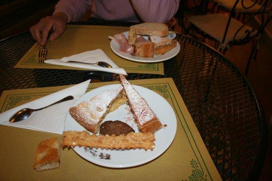 Antica Casa dei Rassicurati: torte fatte in casa
