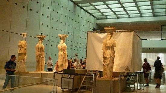 Akropolismuseum: Те самые кариатиды...