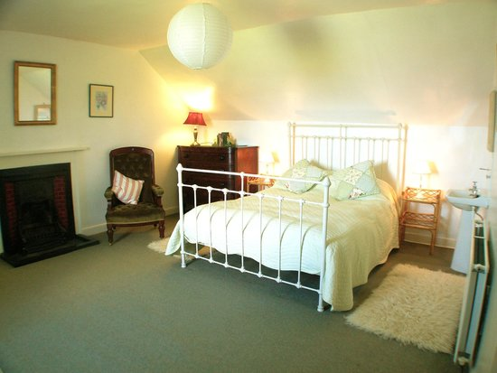 Kintyre Cottages: Master Bedroom, Ballimenach Farmhouse