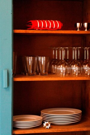 Kintyre Cottages: Cupboards in Archie's Farmhouse
