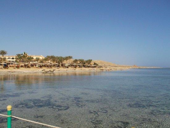 Flamenco Beach and Resort: panorama dal pontile