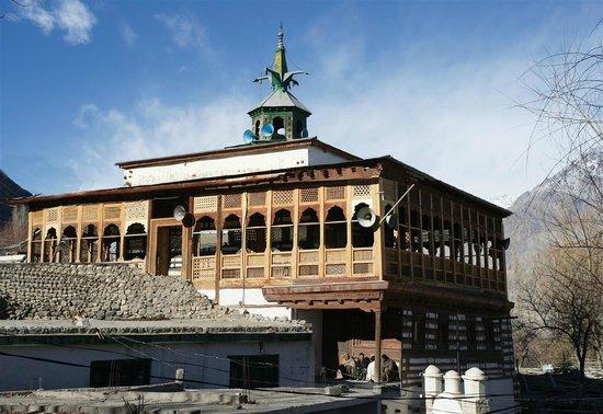 Khaplu, Pakistan: Mosque Main Entrance (Outside Wall)  Ghanche Khanqa sofia Noorbakhshia  chachqan