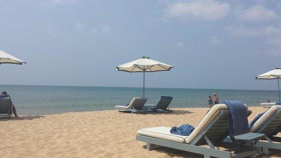 La Veranda Resort Phu Quoc - MGallery Collection: private beach with white sand