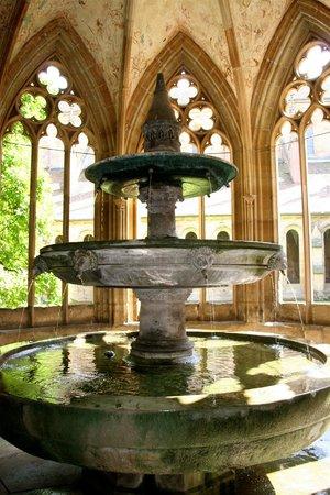 Kloster Maulbronn: La chapelle au puits
