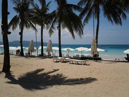 Henann Regency Resort & Spa: Property private beach