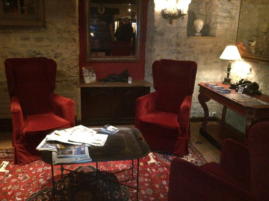Best Western Le Donjon Les Remparts: Sala de lectura