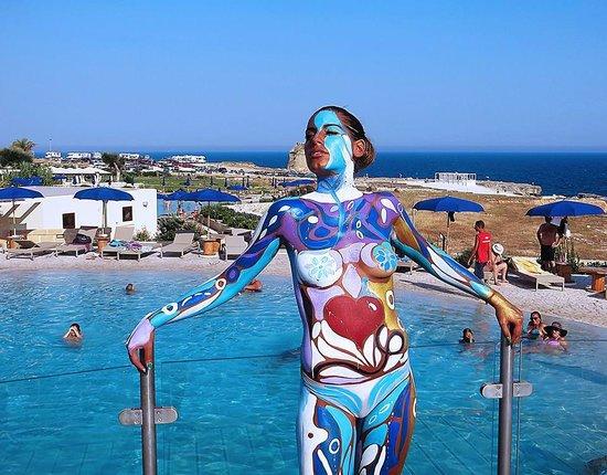 Body painting al 19 summer club diciannove santa cesarea terme - Bagno 19 santa cesarea terme ...