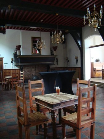 Stayokay Heemskerk: One of the lovely well kept rooms in the castle