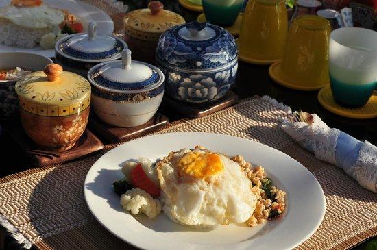 Silver Sea Phuket Beach Villa: Thai breakfast