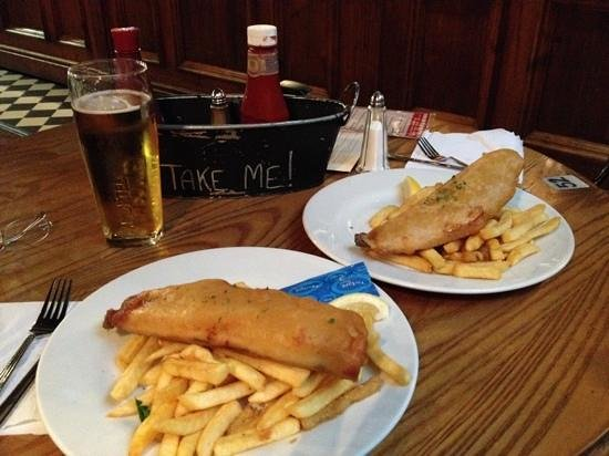 SANDEMANs NEW Europe - London: fish and chips