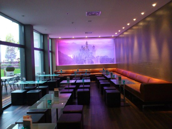 Motel One Muenchen-Sendl. Tor: Hall y cafeteria