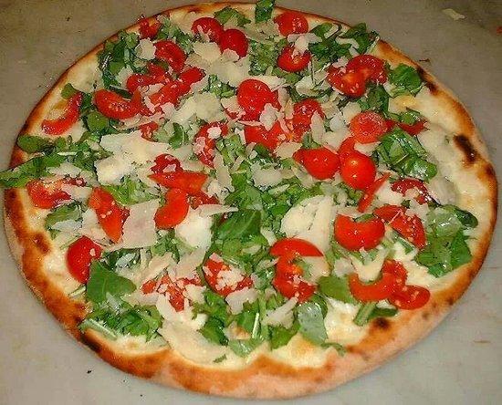 La Perla Nera Pizzeria Ristorante: pizza estiva