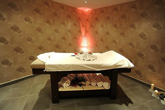 Askoc Hotel : Massage Room