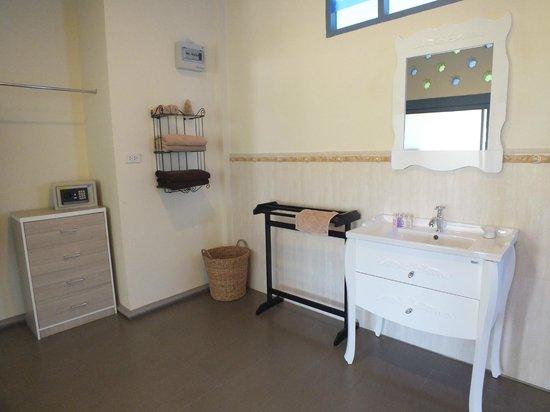 Perennial Resort: Salle de bain