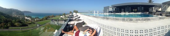 Foto Hotel: view and pool panorama