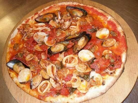 La Perla Nera Pizzeria Ristorante: pizza ai sapori di mare