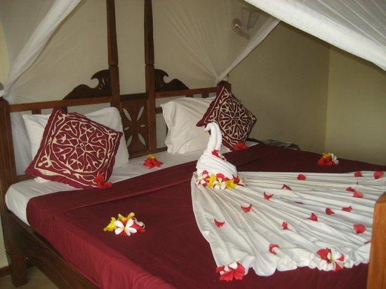Uroa Bay Beach Resort: Décor du dernier soir de notre séjour