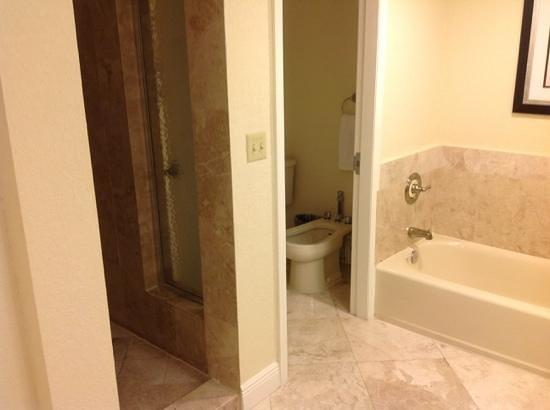 Bonaventure Resort & Spa: great bathroom