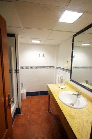 Hotel Isabel : Bathroom