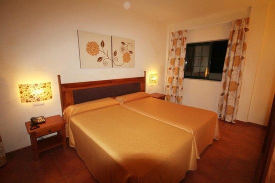 Hotel Isabel : bedroom
