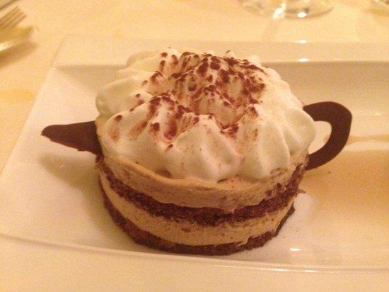 Auberge Napoleon restaurant: Coffee-themed dessert