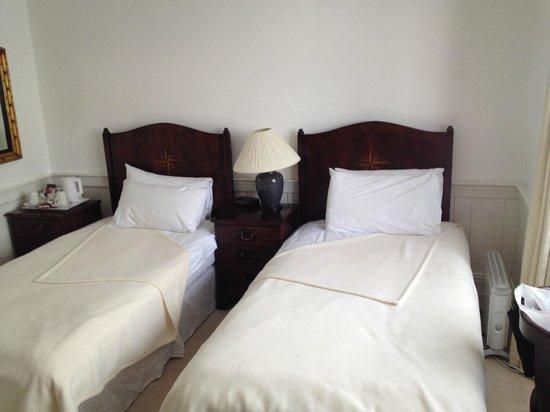 Rounceval House Hotel: Номер Твин