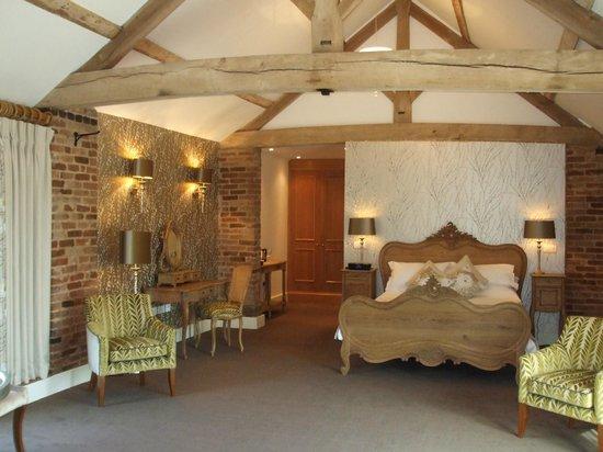 Mythe Farm Bed & Breakfast: The Hayloft Honeymoon Suite
