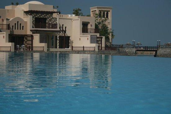 Cove Rotana Resort Ras Al Khaimah: Bottom Pool