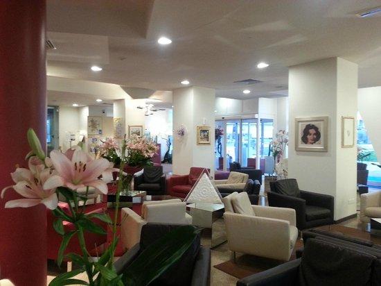 Hotel Mioni Royal San: HALL MIONI ROYAL SAN