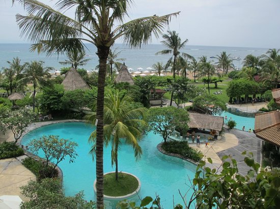 Grand Mirage Resort: The view from our balcony