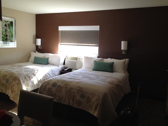 Hawthorn Suites by Wyndham Eagle CO : Double bed room