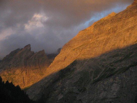 Résidence Odalys Le Blanchot : vue du balcon au couché du soleil (zoom)