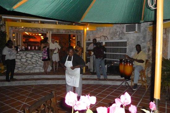 Stella Maris Resort Club: Rum Punch Party