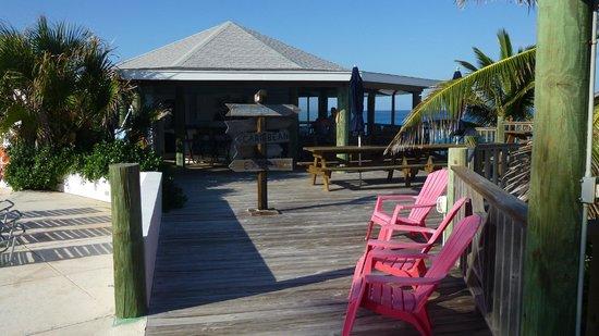 Stella Maris Resort Club: Moonshine Beach Bar