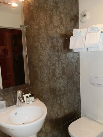 Hotel Le Quartier Bercy - Square Paris : Buena relación calidad-precio Noviembre 2013