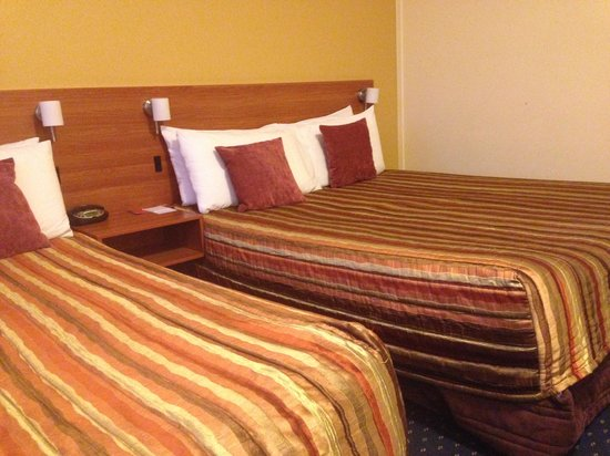 Heartland Hotel Auckland Airport: beds