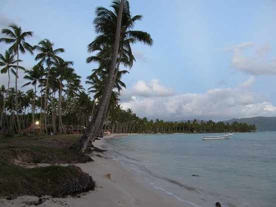Grand Paradise Samana: Beach in the early morning
