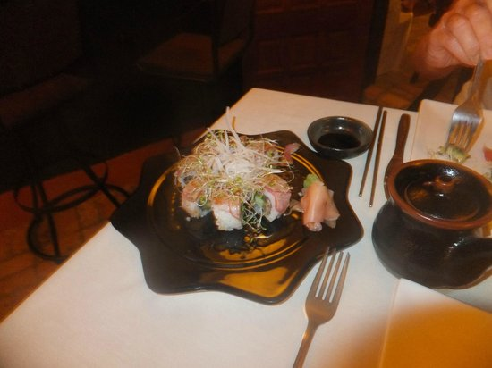 Naru Restaurant and Lounge : Sushi at its best!