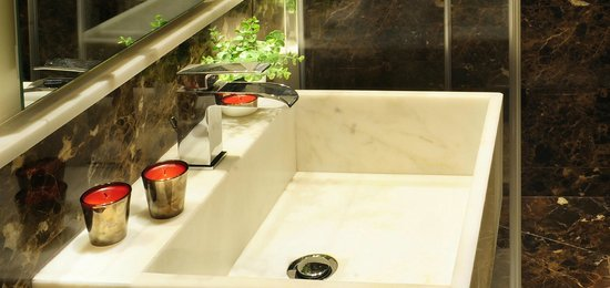 Nerva Boutique Hotel : Deluxe bathroom