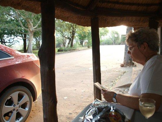 """Punda Maria Restcamp : Het """"terras"""" voor het huisje"""