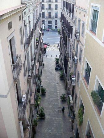 Deco - Born Apartments: vista dal balcone del soggiorno