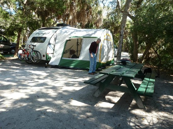 Fort de Soto Park Campground: Setting up