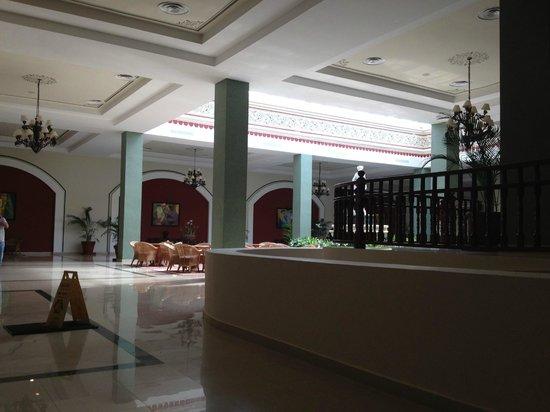 Grand Bahia Principe Jamaica: inside lobby