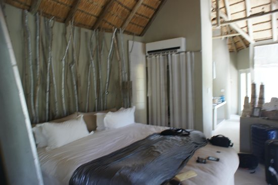 Clifftop Lodge: Room